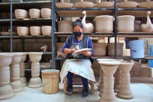 the process of making mexican talavera pottery